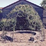 Wilgenhut geplant en gevlochten op het schoolplein van onze kinderen
