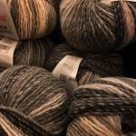mooie bollen wol van sinterklaas gekregen